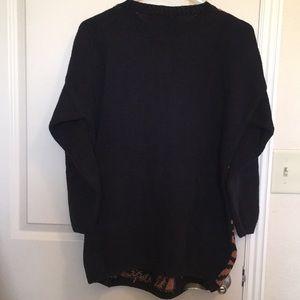 Adrienne Vittadini Sweaters - Adrienne Vittadini Sweater- black tan print